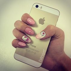 #nails #Hello #Kitty #iphone  #gold