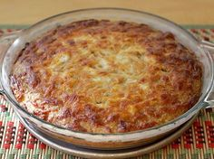 Torta de Plátano Maduro www.antojandoando.com Mexican Food Recipes, Sweet Recipes, Dessert Recipes, Desserts, Plats Latinos, My Favorite Food, Favorite Recipes, Banane Plantain, Venezuelan Food
