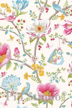 'Chinese Garden' floral wallpaper by Pip Studio Pimp My Caravan, Wallpaper Stores, Pip Studio, Chinese Garden, White Wallpaper, Cottage Wallpaper, Home And Deco, Chinoiserie, Wall Colors