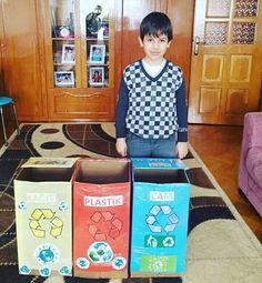 Geri dönüşüm kutusu Garbage Storage, Recycling Station, Earth Day Crafts, Study Skills, Barbie Furniture, Earth Science, Preschool Activities, Reuse, Montessori