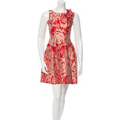 Pre-owned CH Carolina Herrera Floral Dress (6,940 PHP) ❤ liked on Polyvore featuring dresses, neutrals, flower pattern dress, floral printed dress, no sleeve dress, floral applique dress and red floral print dress