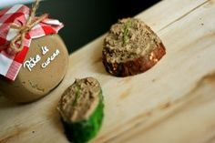 Homemade chicken or turkey liver pate - beca Baked Potato, Feta, Food To Make, Turkey, Appetizers, Cheese, Snacks, Homemade Food, Chicken