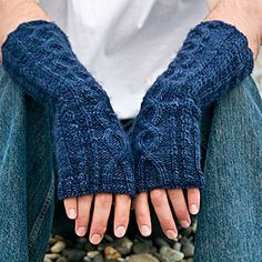 these may be my favorite fingerless mitts EVER! <3 Ravelry - Arden pattern by Mikka http://www.ravelry.com/patterns/library/arden Free Pattern!