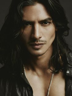 46 Ideas For Dark Hair Men Character Inspiration Vampires Beautiful Boys, Gorgeous Men, Cabelo Rose Gold, Man Character, Hommes Sexy, Male Face, Attractive Men, Good Looking Men, Male Beauty