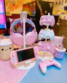 Gamer Setup, Gaming Room Setup, Gaming Rooms, Cute Room Decor, Video Game Organization, Pink Games, Nintendo Switch Accessories, Kawaii Bedroom, Bedroom Ideas