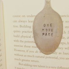 Bookmarks...Upcycled vintage spoons made di SilverBellesCrafts