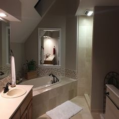 Bathrooms & Showers - Pebble Tile Shop Pebble Tile Shower, Shower Pics, White Pebbles, Shower Floor, Stone Tiles, Bathroom Flooring, Backsplash, Interior And Exterior, Swimming Pools