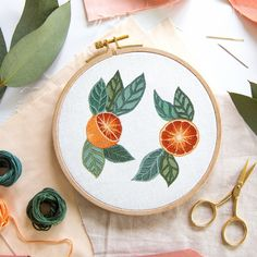 DIY Craft P Botanical Art, Botanical Illustration, Diy Embroidery Patterns, Flower Embroidery, Abstract Embroidery, Hand Embroidery, Diy Craft Projects, Diy Crafts, Rainbow Art