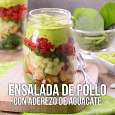 Ensalada de Pollo con Guacamole - Hat Tutorial and Ideas Healthy Meal Prep, Healthy Eating, Healthy Recipes, Vegan Fitness, Comidas Light, Comidas Fitness, Deli Food, Mason Jar Meals, Guacamole