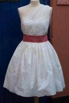 Polka-dot Wedding dress / silk dupion / DIY / Craft / sewing / homemade / asymmetrical / sweetheart neckline / short wedding dress