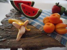 detalle mesa de frutas para pesebre.