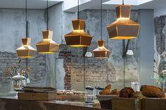Дизайн интерьера кафе в Роттердаме. Подвесные светильники