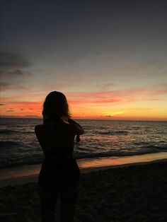 Sunrise coffee let's meet for coffee ideias de fotos, fotos Silhouette Photography, Girl Photography Poses, Tumblr Photography, Beach Photography, Beach Instagram Pictures, Beach Pictures, Aesthetic Photo, Aesthetic Pictures, Fake Photo