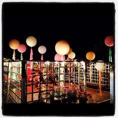 Wedding balloons by night