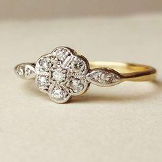 Art Deco Diamond Flower Ring Antique Engagement Ring by luxedeluxe antique diamond flower shape engagement rings Antique Diamond Rings, Antique Engagement Rings, Diamond Engagement Rings, Antique Gold, Solitaire Engagement, Bling Bling, The Bling Ring, Ring Set, Ring Verlobung