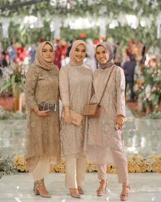 Tunik celana hijab - Another! Kebaya Modern Hijab, Model Kebaya Modern, Kebaya Hijab, Kebaya Brokat, Hijab Gown, Hijab Dress Party, Hijab Style Dress, Dress Brukat, Dress Brokat Muslim