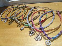inserzione di Etsy su https://www.etsy.com/it/listing/106603330/custom-made-multicolored-hemp-necklace