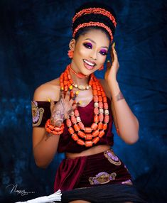 Today's beauty look is for the Igbo bride-to-be and it will certainly leave you wanting more. Latest African Fashion Dresses, African Print Fashion, Africa Fashion, African Fashion Traditional, African Traditional Wedding, African Wedding Attire, African Attire, Igbo Bride, Afro Punk Fashion