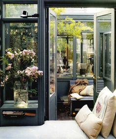 Conservatory Rooftop Apartment in Manhattan