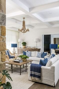 Neutral living room with blue and white color schem&; Neutral living room with blue and white color schem&; Jeffrey Rosen Interior Design riverbad living room décor Neutral living room […] living room with blue Cream Living Rooms, Coastal Living Rooms, Home Living Room, Apartment Living, Cottage Living, Living Room Decor Blue, Cottage Style, Navy And White Living Room, Hamptons Living Room