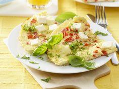 Tomaten-Omelett mit Schafskäse - smarter - Kalorien: 231 Kcal - Zeit: 20 Min. | eatsmarter.de