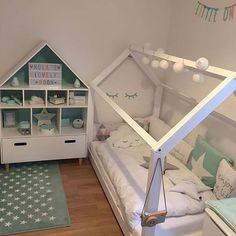 LOVE LOVE LOVE this toddler bed!