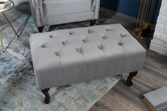 Luxusná taburetka zamatová. Chesterfield, Sofas, Chair, Design, Furniture, Home Decor, Products, Environment, Diamond Pattern