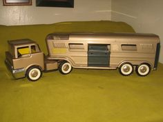 "Vintage Structo ""Vista Dome Horse Van"" & Semi Truck,Old Truck & Horse Trailer #Structo #SemiTruck"