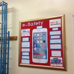 Safe Internet, Internet Safety, School Displays, Classroom Displays, Computer Class, Computer Science, Ict Display, Computing Display, Safety Crafts