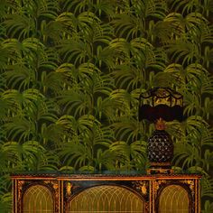 'Palmeral' Wallpaper print - Art Deco-inspired design paying reference to Palm Springs. Featuring an explosion of palm leaves, midnight and green version Georgia, How To Hang Wallpaper, Bedroom Wallpaper, Tropical Bathroom, Art Deco, Art Nouveau, Mekka, Exotic, Plants