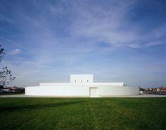 Architect:Alberto Campo Baeza Location:Ponzano Veneto, Treviso, Italy Client:Benetton Group spa Collaborator:Jesús Donaire Structure:Andrea