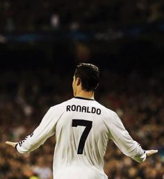 best soccer player in the world. Cristiano Ronaldo Quotes, Cristano Ronaldo, Pure Football, Best Football Team, Uefa Super Cup, Ronaldo Real Madrid, Good Soccer Players, Soccer Boys, Professional Football