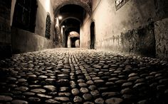 Cobblestone street at night, Ljubljana, Slovenia Blue Marble Wallpaper, Old Wallpaper, City Wallpaper, Wallpaper Backgrounds, Nature Wallpaper, Stone Road, London Night, London Pictures, Ghost Tour
