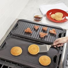 Lodge Logic™ Rectangular Grill & Griddle Pan | Sur La Table
