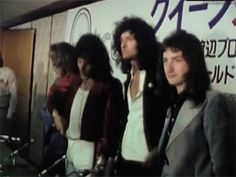 Queen at a press conference in Japan, 1975.e.