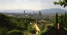 Mit der gewaltigen Kuppel des Doms Santa Maria del Fiore gelang Filippo Brunelleschi eine bis heute unübertroffene Meisterleistung. Weithin sichtbar kündet der Kuppelbau von der Schönheit der Kunstmetropole Florenz. (Foto: iStock/Mlenny)
