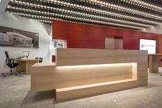 Kirsch_Haubner (2016) Office Table Design, Corporate Office Design, Office Furniture Design, Corporate Interiors, Reception Counter Design, Modern Reception Desk, Office Reception, Hotel Lobby Design, Dental Office Decor
