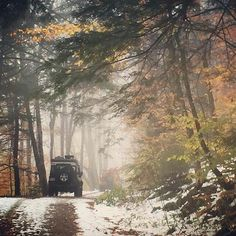 To all our #American friends, followers and all-round #landrover obsessives, happy #thanksgiving! By @modeltownship #landrover #defender90 #landroverdefender #landroverphotoalbum