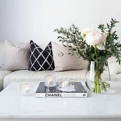 Livingroom Apartment Ideas, Throw Pillows, Living Room, Bed, Interior, Home, Toss Pillows, Cushions, Stream Bed