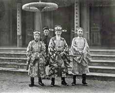 René Tétard, Mandarins à la cour de Hué