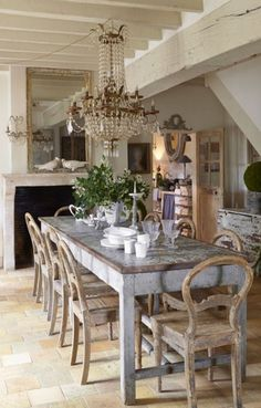If you are looking for French Country Dining Room Table Decor Ideas, You come to the right place. Below are the French Country Dining Room Tab. Farmhouse Dining Room Set, French Country Dining Room, Dining Room Table Decor, French Country Kitchens, Dining Table Design, French Country Decorating, French Farmhouse, Room Decor, Farmhouse Chairs