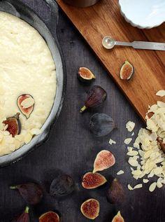 Fresh Fig and Almond Breakfast Cake