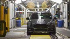 Image copyright                  AFP                                                                          Image caption                                      Ford señaló que invertirá US$700 millones en la fábrica de Flat Rock (Michigan) y que creará 700 puestos de trabajo directos.                                La automotriz estadounidense Ford anunci�