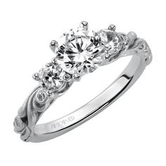 Beautiful ArtCarved ring