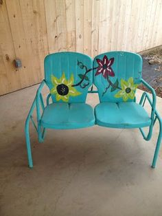 This is so cute! Maybe I'll do a design like this on my picnic tables :)