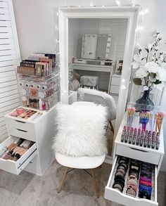 We love Ikea furniture and how our makeup storage fits it like a glove 👯♀️ . On the left side. . 🎀 VC ULTIMATE BEAUTY CUBE $278 Aud. . 🎀… Modern Makeup Vanity, Makeup Vanity Storage, Makeup Storage Organization, Makeup Vanities, Makeup Desk, Makeup Drawer, Vanity Set Up, Small Vanity, Vanity Room