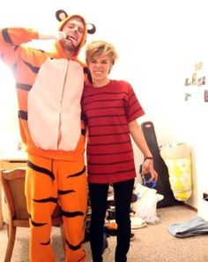 Calvin and Hobbes Couples costume!  sc 1 st  Pinterest & 8 best Calvin u0026 Hobbes costumes images on Pinterest | Calvin and ...