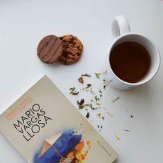Sunday mood.  #doctorfarm #dreamteam #sunday #ashadetare #localsmd #bookoholic by scrisdemana