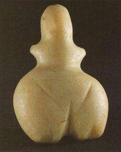 oermoeder uit Tell Azmak, Bulgarije 6000 BC Historical Artifacts, Ancient Artifacts, Fertility Symbols, Ancient Goddesses, Statues, Mother Goddess, Sacred Feminine, Goddess Art, Ancient Mysteries