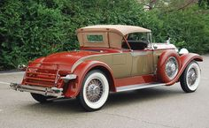 Dad's 1929 Packard Model 640 Custom Eight Roadster Color when we purchased it in 1950 was a beautiful maroon.